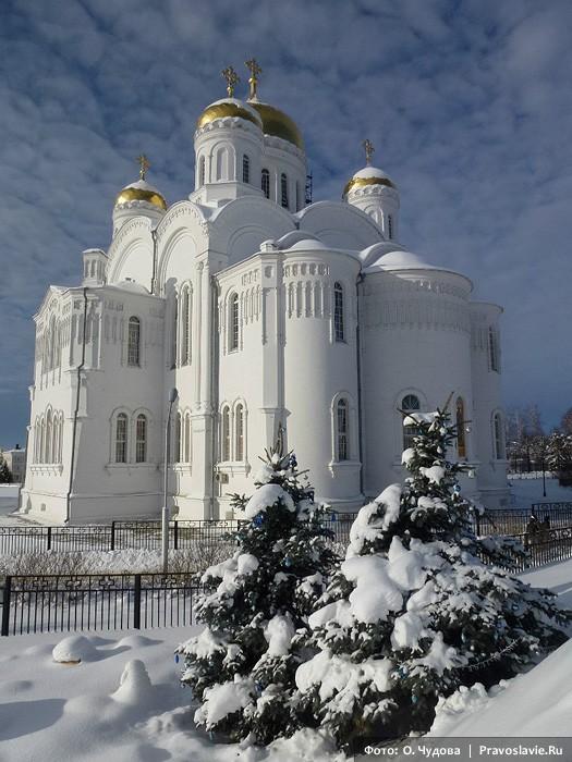 Ο Καθεδρικός Ναός της Μεταμόρφωσης του Σωτήρος