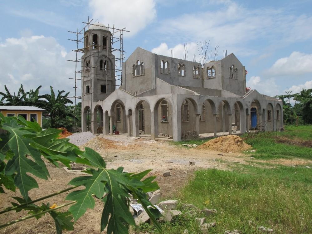 Пуэнт-Нуар, строительство церкви св. Фотинии