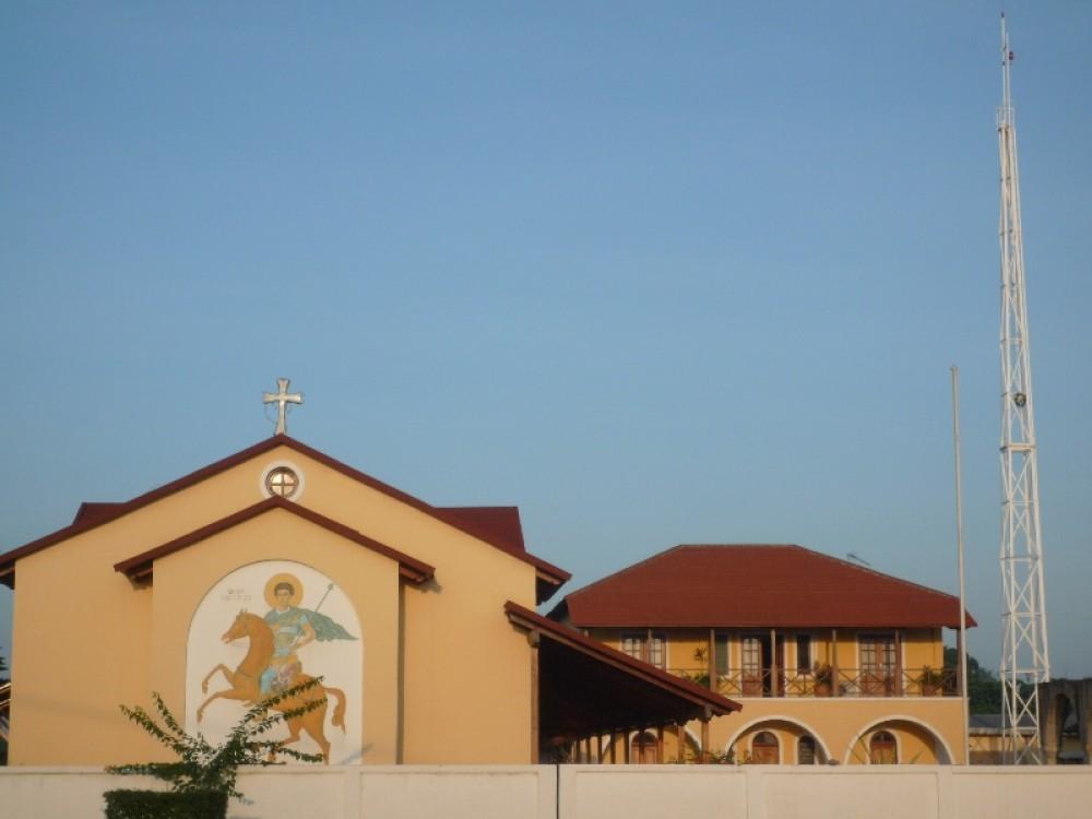 Церковь св. Димитрия Солунского. Многие боятся проходить мимо: «а вдруг стукнет копьем?»