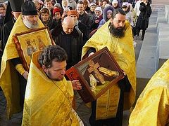 Cross procession in memory of 1700th anniversary of the edict of Milan to visit 51 towns of the Ukraine