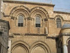 Thousands of Christian pilgrims crowd to the temple of the Holy Sepulcher