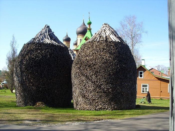 Pukhtitsa woodpile. Photo: S. Mudrov / Pravoslavie.ru