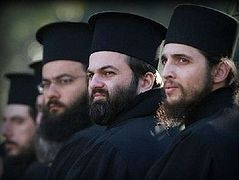 Creditor states demand that Greece reduce clergy salaries