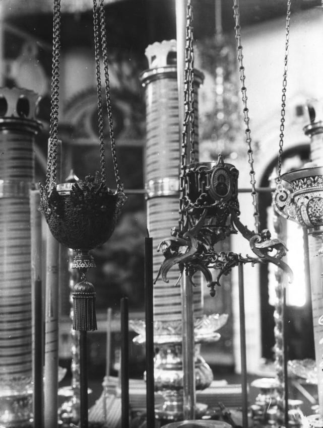 Лампады, пожертвованные Государем Николаем II к иконе Умиления Божией Матери