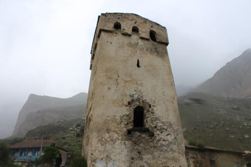 Башня в ущелье Эль-Тюбю