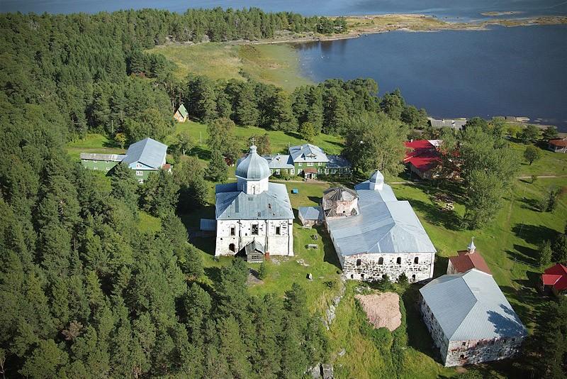 Онежский Крестный монастырь на о. Кий