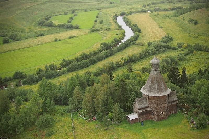 Никольская церковь в Лявле