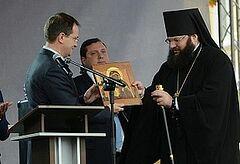 Министр культуры передаел Смоленской епархии отреставрированные иконы