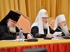 Возможность взаимодействия со СМИ в бесспорных вопросах должна быть предоставлена каждому настоятелю, - Патриарх Кирилл
