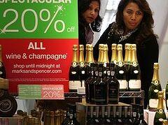 В британской торговой сети кассиры-мусульмане получили право не обслуживать покупателей алкоголя