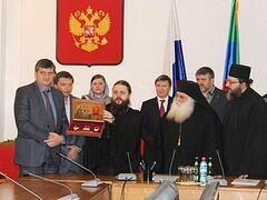 Копии Даров волхвов передали в дар Махачкалинской епархии