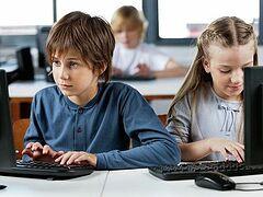 Российским детям в школах ограничат доступ к соцсетям и онлайн-играм