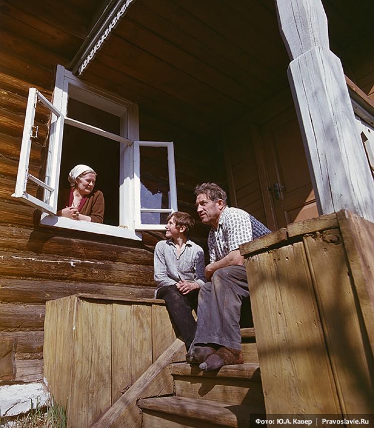 В. Белов с женой и сыном. 1970 год.