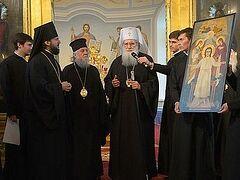 Патриарх Болгарский Неофит поклонился святыням Петербурга