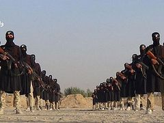 After Iraq gains, Qaeda offshoot claims Islamic