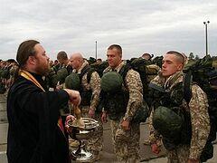 В 5 военных вузах России откроют курсы для армейских священников