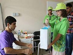 Православные волонтеры навестили пострадавших в аварии в метро