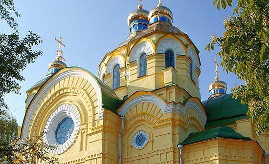 Раскольники захватили три храма на Украине