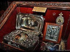 Мощи св.Анастасии Узорешительницы, украденные в Греции, ищут на Украине