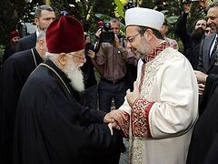 Patriarch Ilia II asking Turkish authorities to resume services at Georgian churches