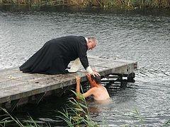 Крещение в полевых условиях приняли 300 российских военных