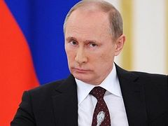 "Vladimir Putin: ""In the Ukraine people are driven away from churches, but human rights activists are silent"""