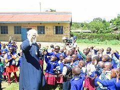 Александрийский Патриарх побывал в беднейших районах Найроби