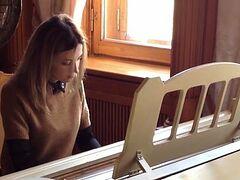 Прокурор Крыма Н.Поклонская подарила Ливадийскому дворцу коллекцию фотографий Царской Семьи