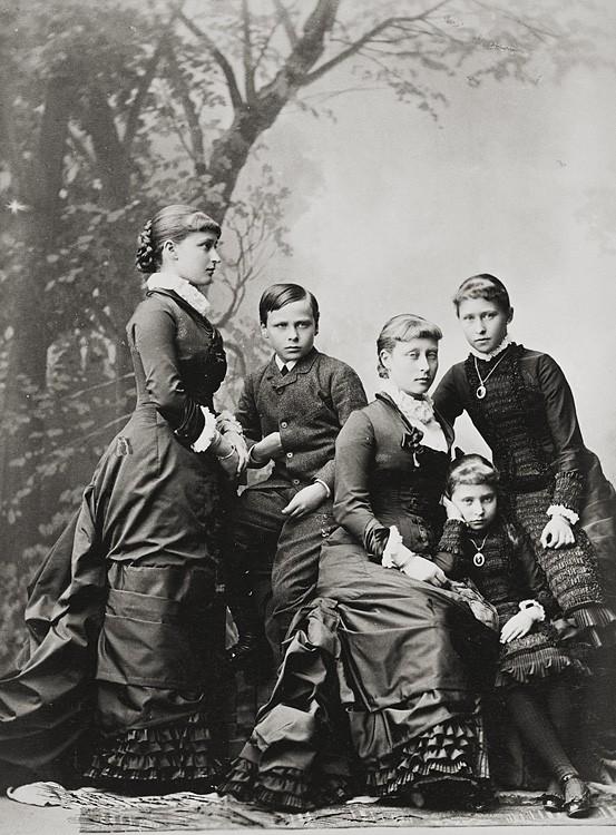 1880 г. Дети Великого герцога Гессенского