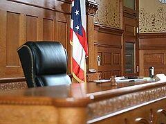 6 судей в США ушли в отставку, отказавшись заключать гей-«браки»