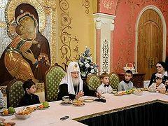 В праздник Рождества Христова Патриарх Кирилл встретился с многодетными семьями