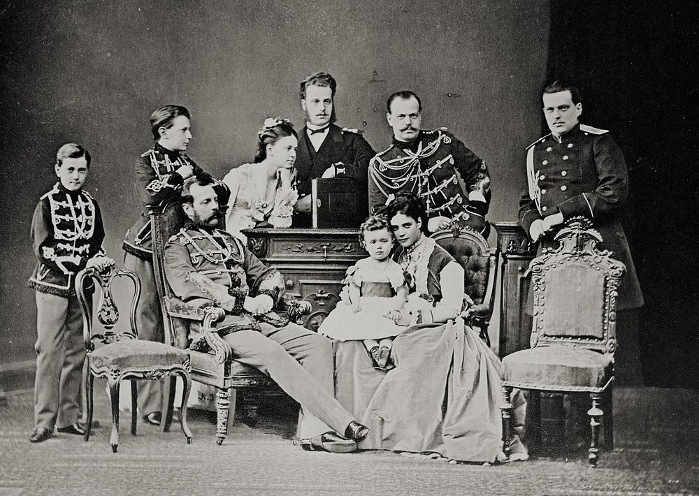 Император Александр II (1818-81) со своей семьей. 1873 г.
