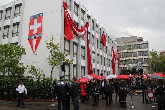 Opening of the center: photo by 20min.ch