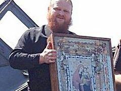 Слезоточивый образ Божией Матери «Боянская» провезли над границей с Донецкой областью