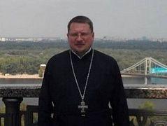 Priest attacked in Kiev dies