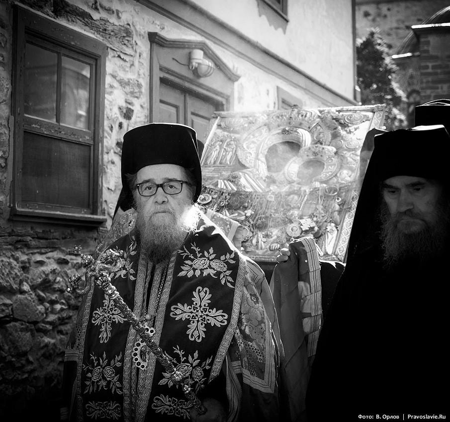 Митрополит Карпатосский и Kaсосский Амвросий