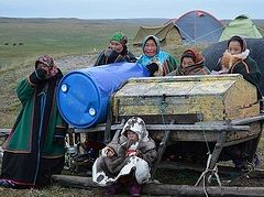 A priest from Naryan-Mar visits a nomadic reindeer-breeding community + photos