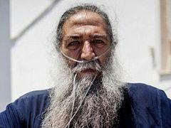 Papa Stratis the 'Savior' of Refugees in Lesvos Passes Away