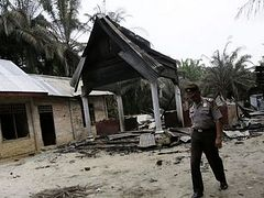 Christian Community in Indonesia Asking For Prayers After Muslim Extremists Torch Churches, Leaving One Dead