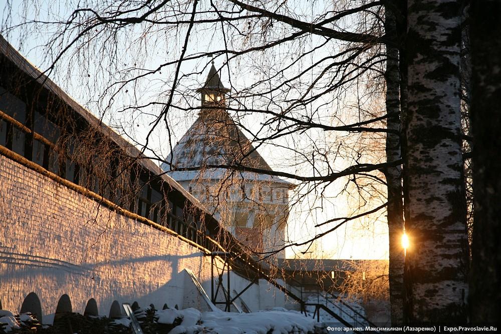 Крепостная стена Прилуцкого монастыря