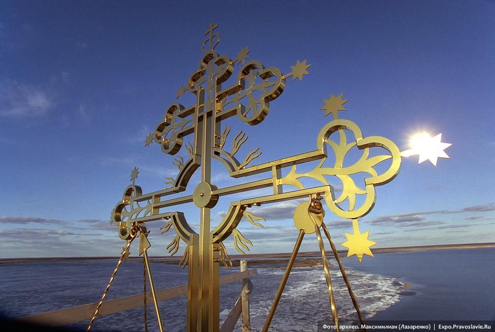 Крест колокольни Спасо-Каменного монастыря