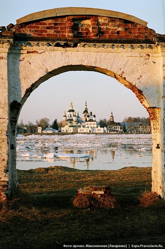 Собор праведного Прокопия Великоустюжского. Ледоход на Сухоне