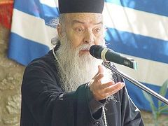 2300 parish churches in Greece are currently without priests