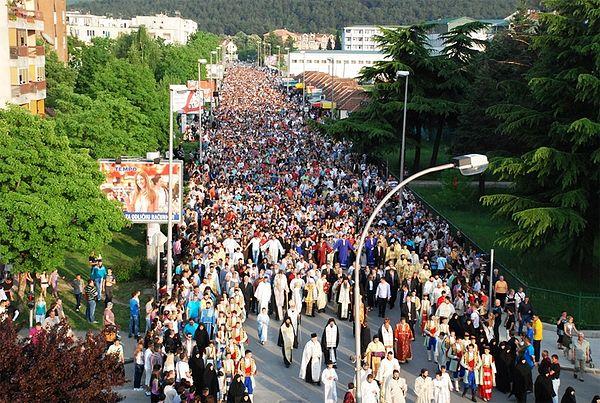 Традиционный Крестный ход в Никшиче собирает десятки тысяч верующих