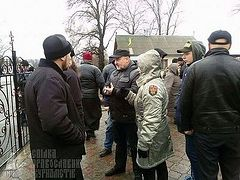 """""""Right Sector"""" has blocked a church and is holding parishioners hostage without light and water"""