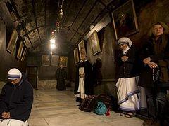 Christians arrive in Bethlehem to mark Christmas Eve