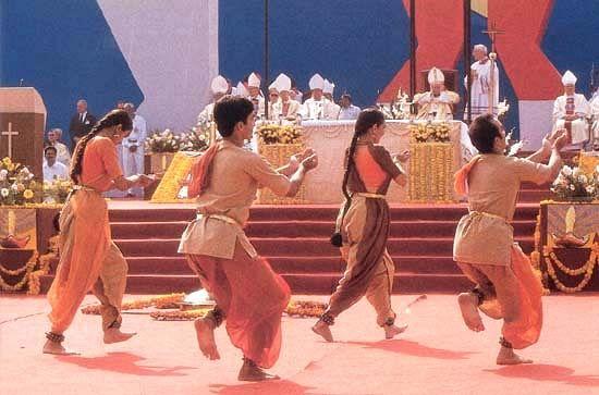 Выступления индуистов перед римским папой