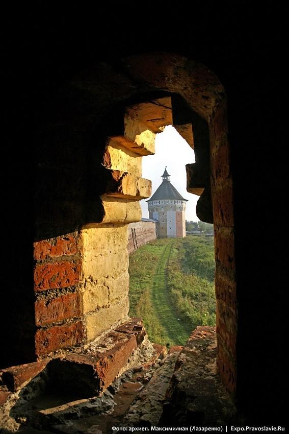 Вид с башни Прилуцкого монастыря