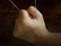 Разбойник, его крест и нательный крестик