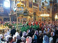 Bishop Nicholas and the Synod Youth Choir of the Russian Church Abroad Participate in Feast-Day Celebrations of St Job of Pochaev